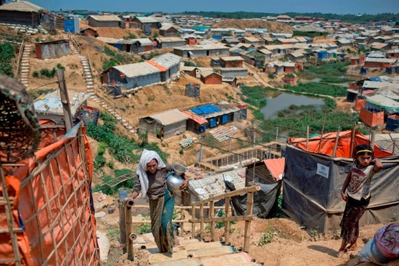 A picture of a Rohingya camp in the rain
