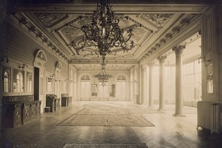 Historic photo of the interior of the Palais Wilson
