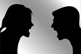 silhoutte couple arguint