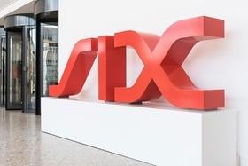 Logotipo de SIX en la entrada de la sede del grupo en Zúrich