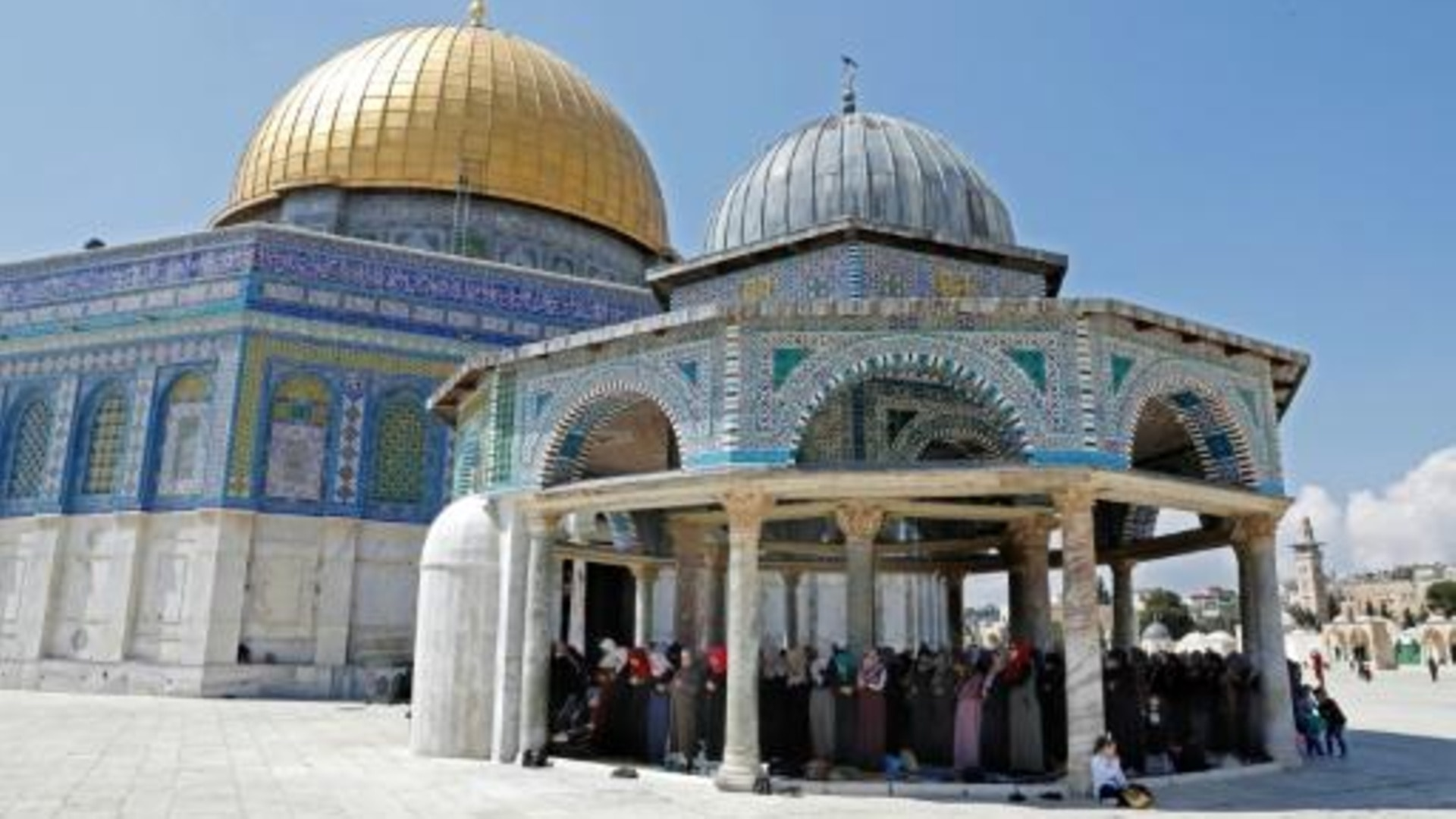 حريق صغير في باحات المسجد الأقصى في القدس - SWI swissinfo.ch