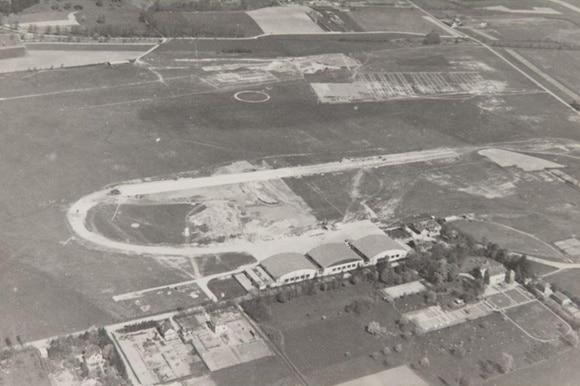 старинный фотоснимок аэропорта