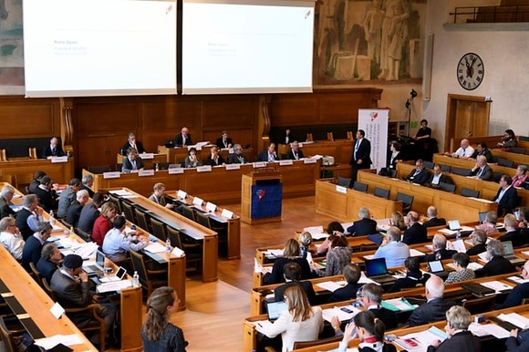 Die Delegierten des Auslandschweizerrats an einer ihrer letzten Sitzung.
