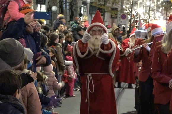 Samichlaus in the middle of the street