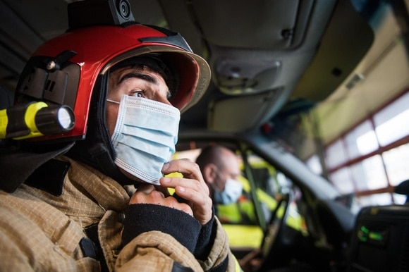 Fire fighter with mask