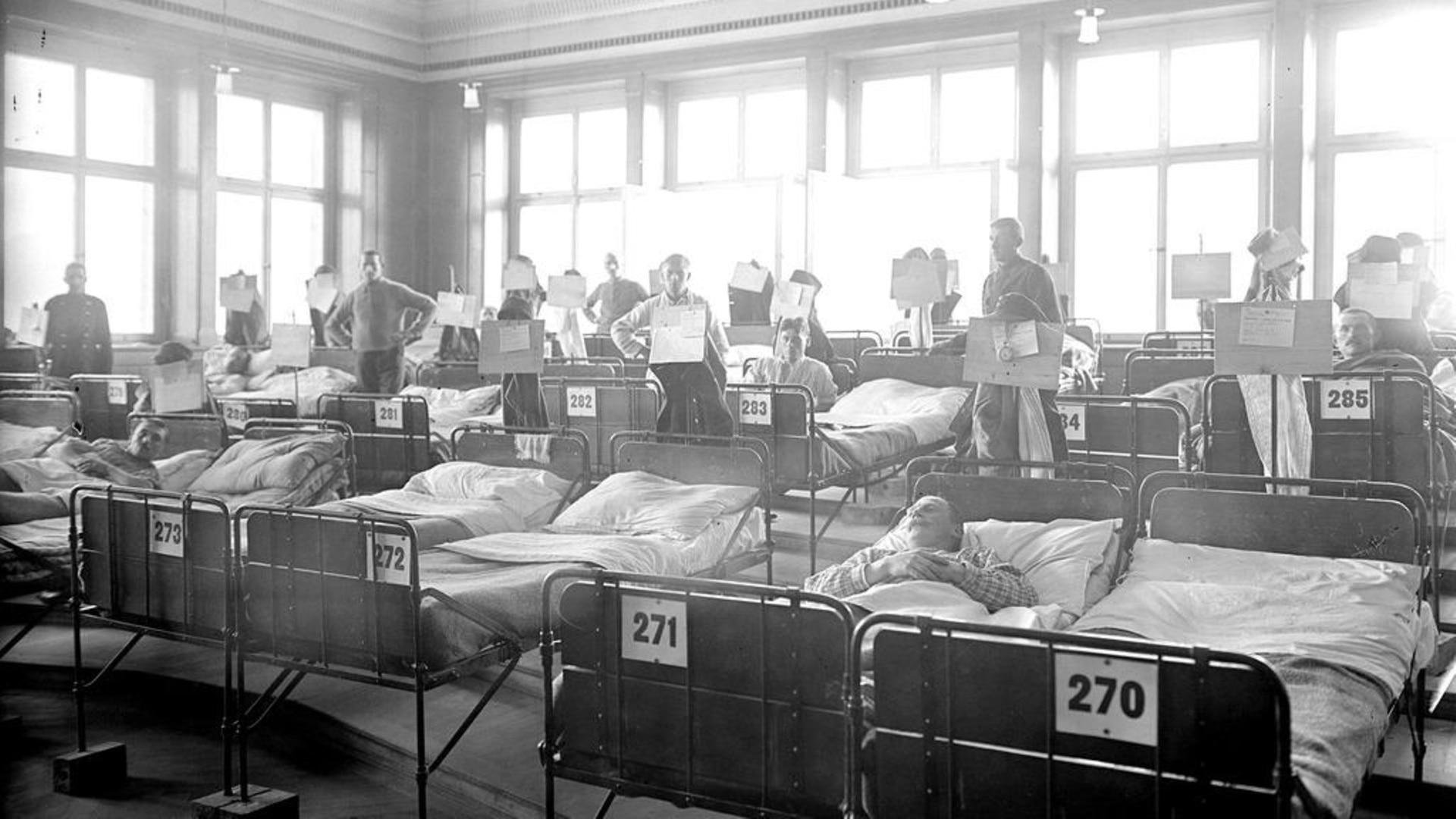 の スペイン の 風邪 流行 が は 人々 で 殺到 した