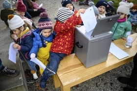 children voting
