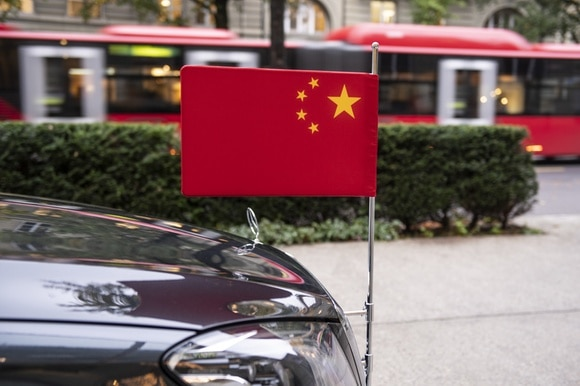Limousine with China flag in Bern, Switzerland