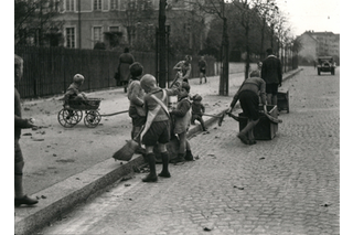 Children working in the street