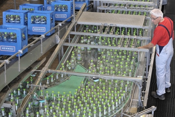 water bottling factory line