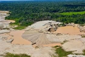 estrazione mineraria perù