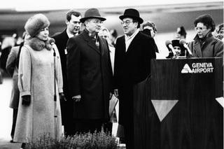 Gorbachev am Flughafen Genf